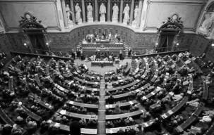 839962_l-assemblee-nationale-francaise-le-8-juin-2005