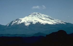 cayambe_volcano_ecuador_photo